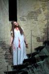 """Lucia di Lammermoor"" Review - Beautiful, Powerful and Compeling"